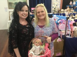 Friends dolly-shopping together - Lisa & Sonya