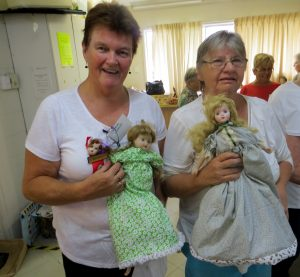 Elaine S & Pam Mac with yet MORE finished Topsy-Turvy dolls from the workshops!